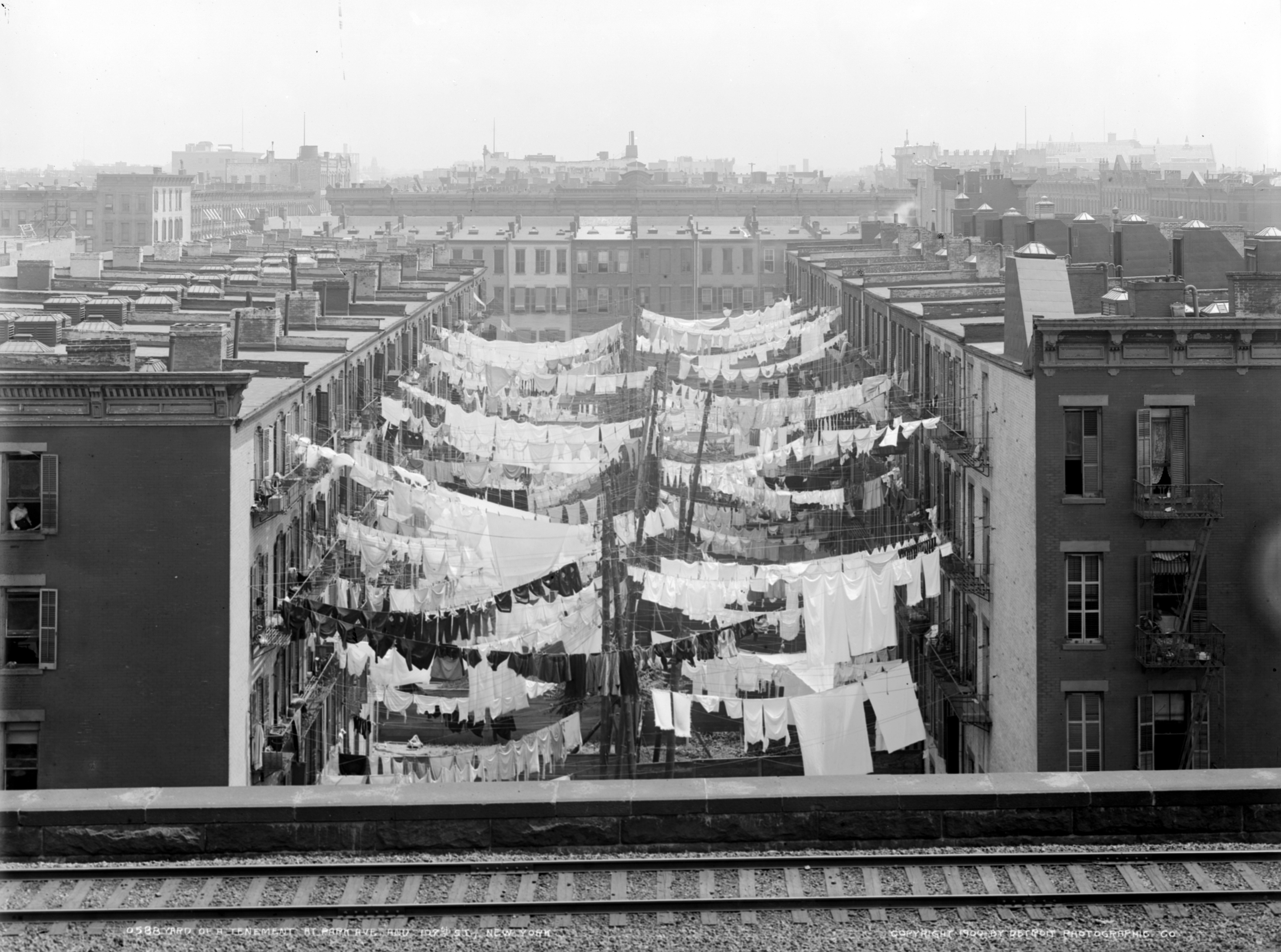 Yard_of_a_tenement_at_Park_Ave._LOC_det.4a28182