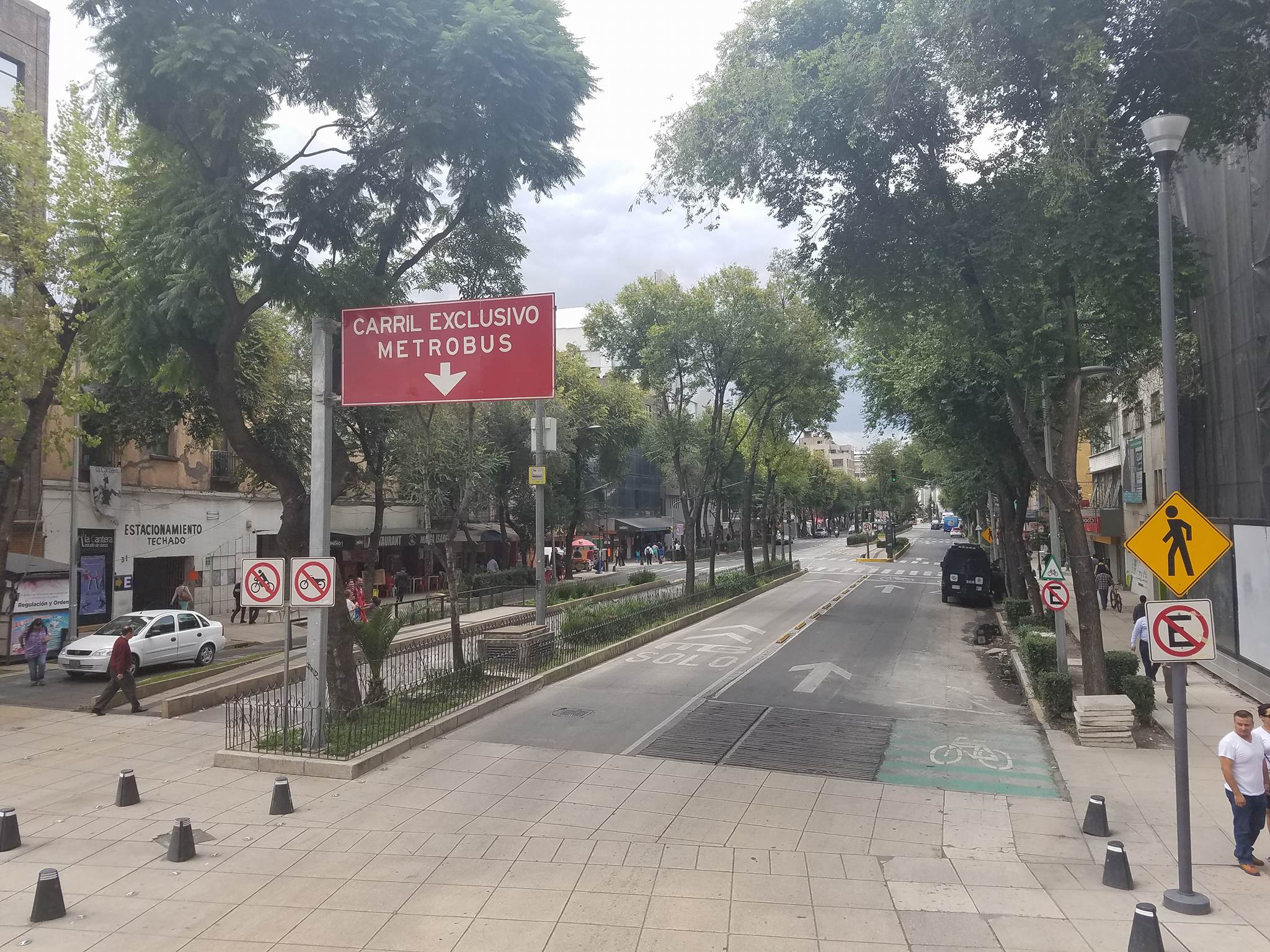 Complete street in Mexico City.